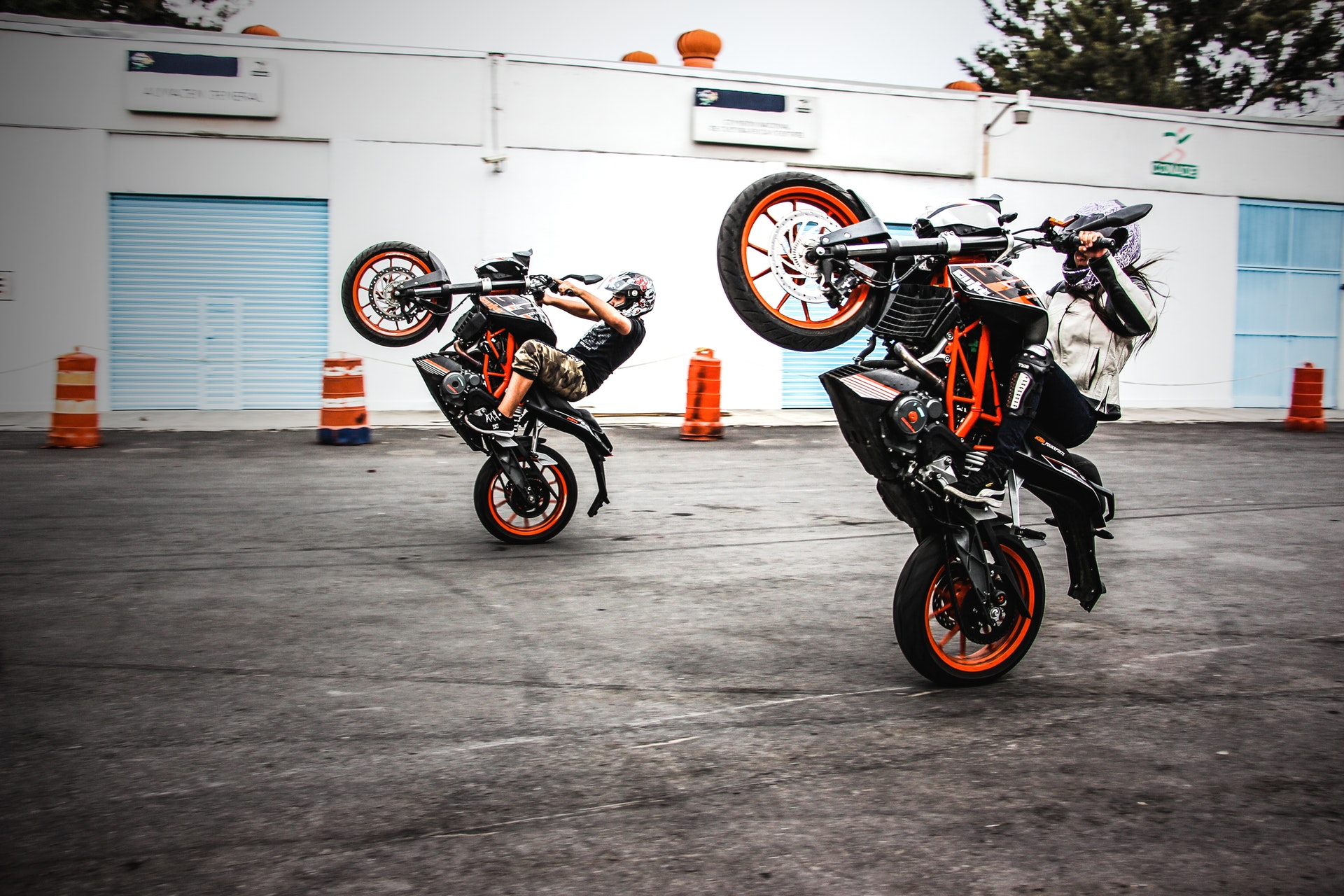 KTM 'Roaring Gears' stunt competition delights spectators